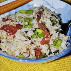 腊肠蒜苔炒饭的做法