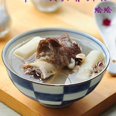 淮山茨实骨头汤的做法