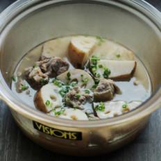 莲藕排骨汤的做法