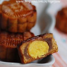 广式蛋黄莲蓉月饼的做法