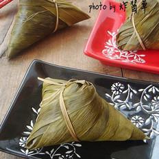 蜜枣花生粽的做法