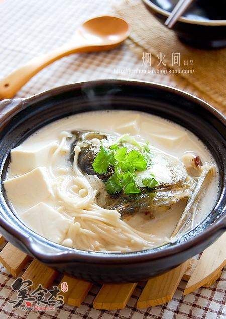 鱼头炖豆腐qw.jpg
