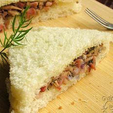 金枪鱼培根三明治的做法