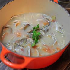 黄鱼蛤蜊浓汤 的做法