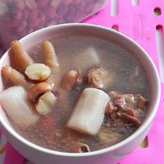 淮山莲子煲鸡汤 的做法
