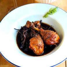 锅烤豉油茶树菇鸡腿的做法