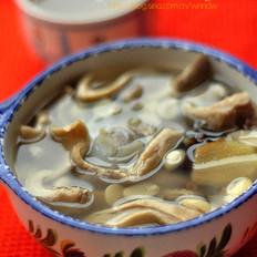 花生大骨胡椒猪肚汤的做法