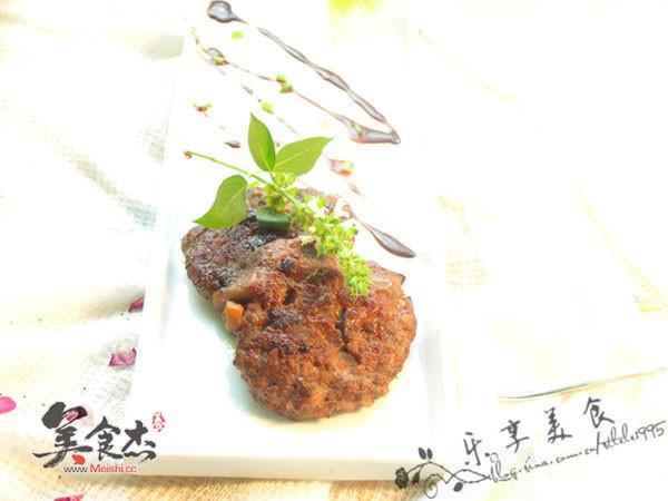 香草牛肉饼OO.jpg