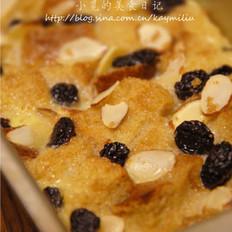 杏仁葡萄干面包布丁