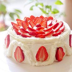草莓花朵奶油蛋糕