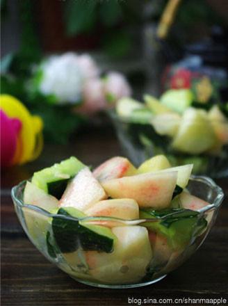 香桃拌青瓜的做法