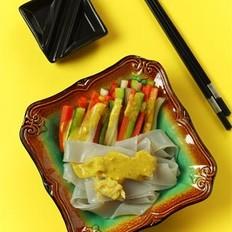 黄芥末时蔬拉皮的做法