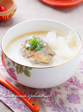 鲫鱼萝卜奶汤的做法