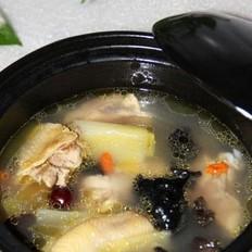 木耳枣鸡汤的做法