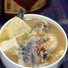 鱼骨豆腐汤的做法