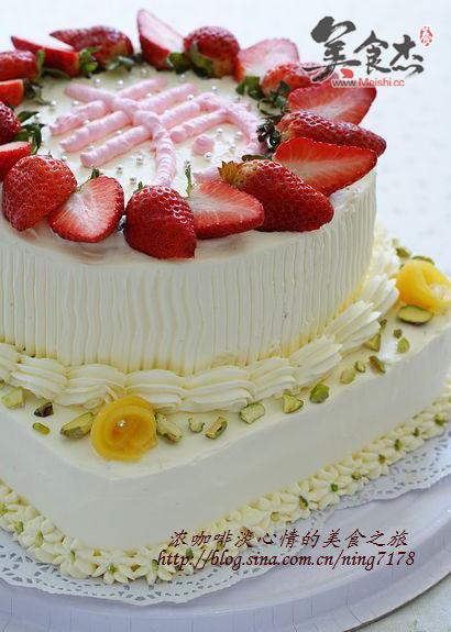 双层奶油草莓蛋糕IW.jpg