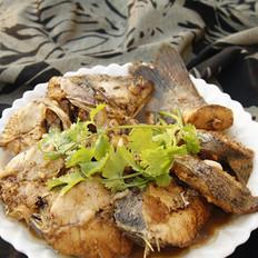 焖海鲈鱼的做法