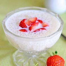 牛奶草莓西米露的做法