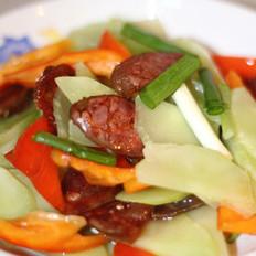 腊肠炒青笋的做法