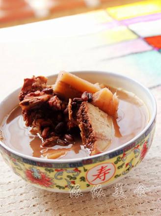 赤小豆鲮鱼煲粉葛汤的做法