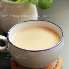 薄荷奶茶的做法