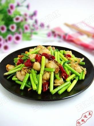 蒜苔炒扇贝肉的做法