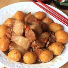 土豆红烧肉的做法