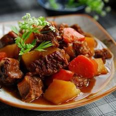 胡萝卜土豆烧牛腩