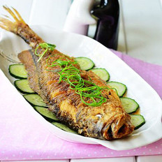 椒鹽黃魚的做法