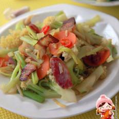 双拼腊味炒菜花的做法
