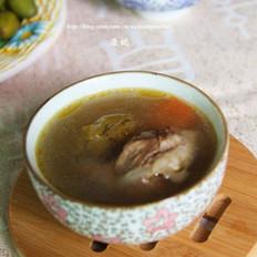 青橄榄红萝卜猪骨汤