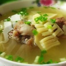 春笋大骨汤的做法