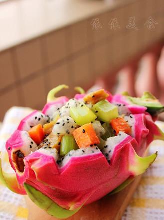 火龙果芹菜炒鱼饼的做法