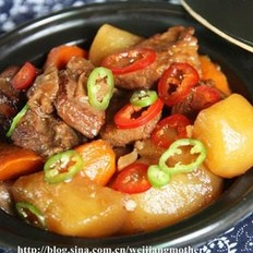 胡蘿卜土豆燉牛腩的做法