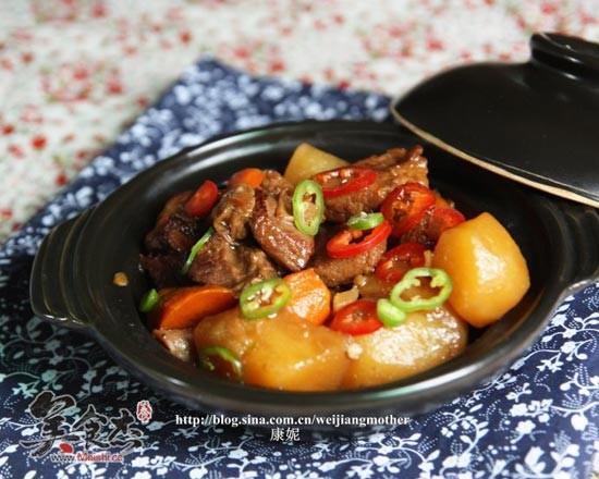 胡蘿卜土豆燉牛腩nD.jpg