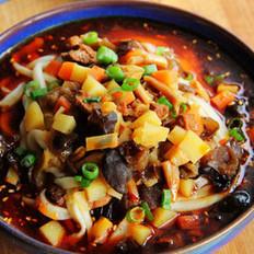 红油酸汤臊子面的做法