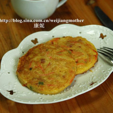 胡萝卜土豆培根蛋饼的做法
