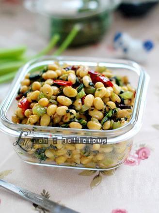 芹香炒黄豆的做法