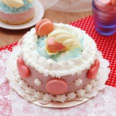 乳酪夹心草莓慕斯蛋糕