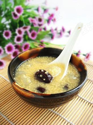 小米红枣雪梨粥的做法
