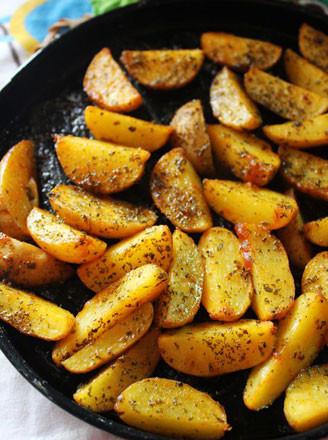 奥尔良烤薯角的做法