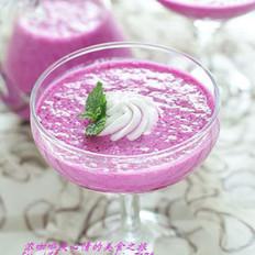 酸奶红龙果冰奶昔