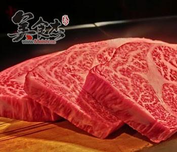 雪花纹理牛肉照片