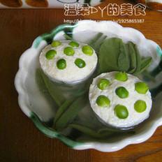 莼菜鸡蓉豆腐莲蓬汤