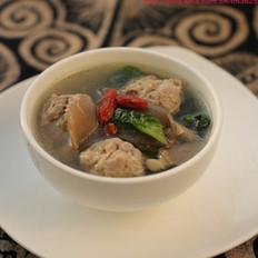 菠菜蘑菇汆丸汤