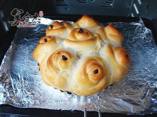 玫瑰花面包的做法_家常玫瑰花面包的做法【图】玫瑰