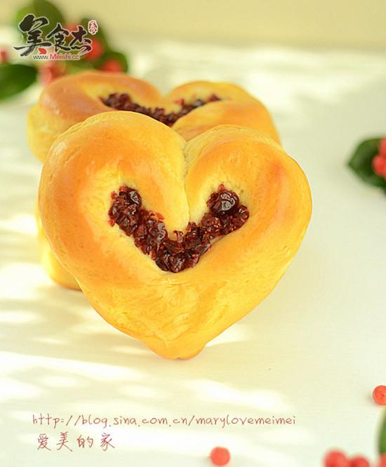 蔓越莓爱心面包Gz.jpg