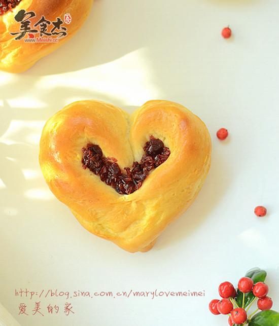 蔓越莓爱心面包dq.jpg