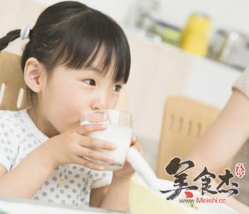 鸡蛋加牛奶?盘点儿童饮食六误区fv.jpg