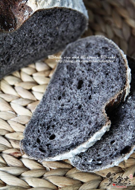 黑米黑芝麻面包Ku.jpg